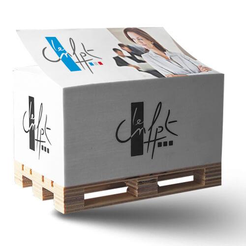 Bloc cube publicitaire sur palette CUB003